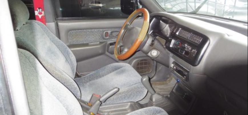 Mitsubishi Strada 2004 - 12