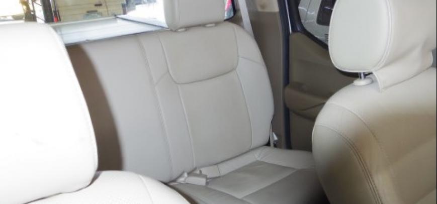 Nissan Navara 2009 - 12