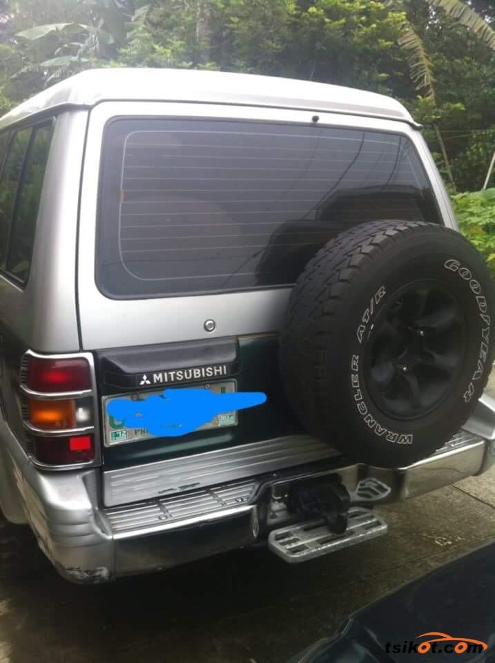 Mitsubishi Pajero 1994 - 2