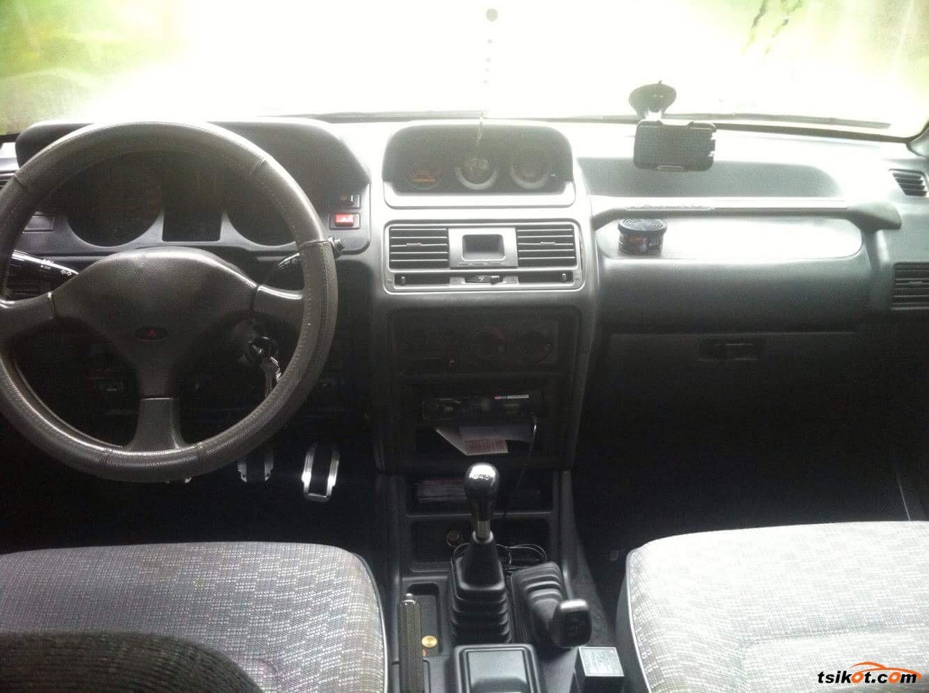 Mitsubishi Pajero 1994 - 7