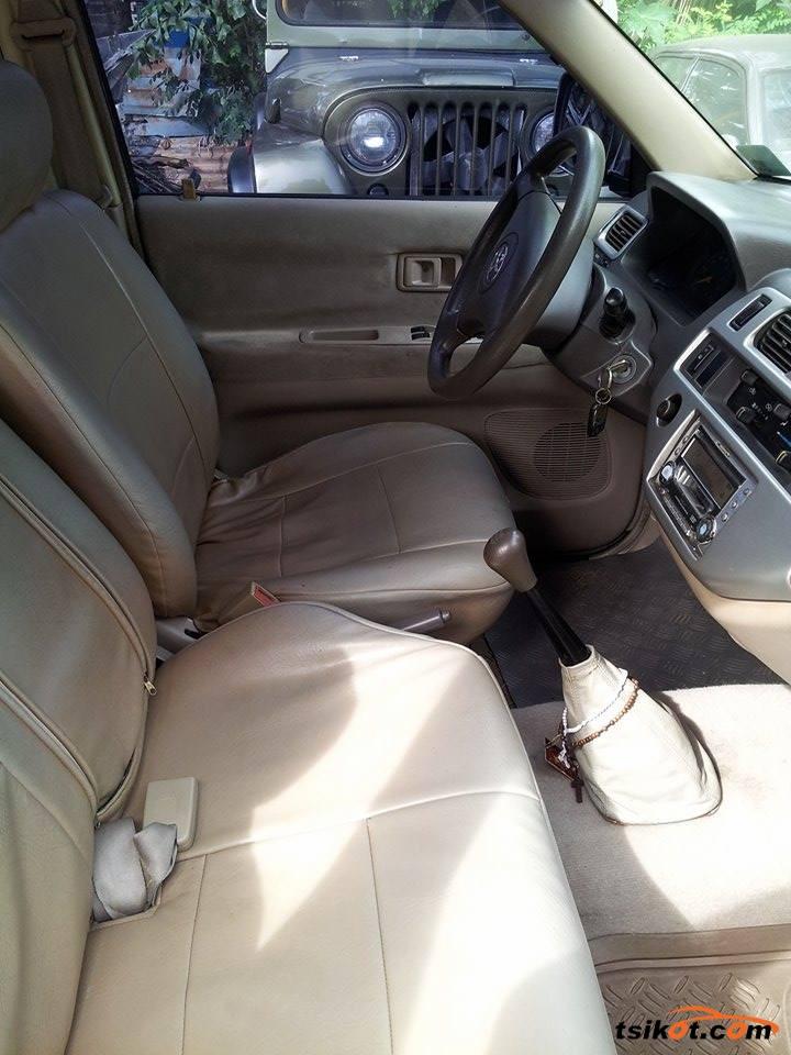 Toyota Rav 2004 - 3
