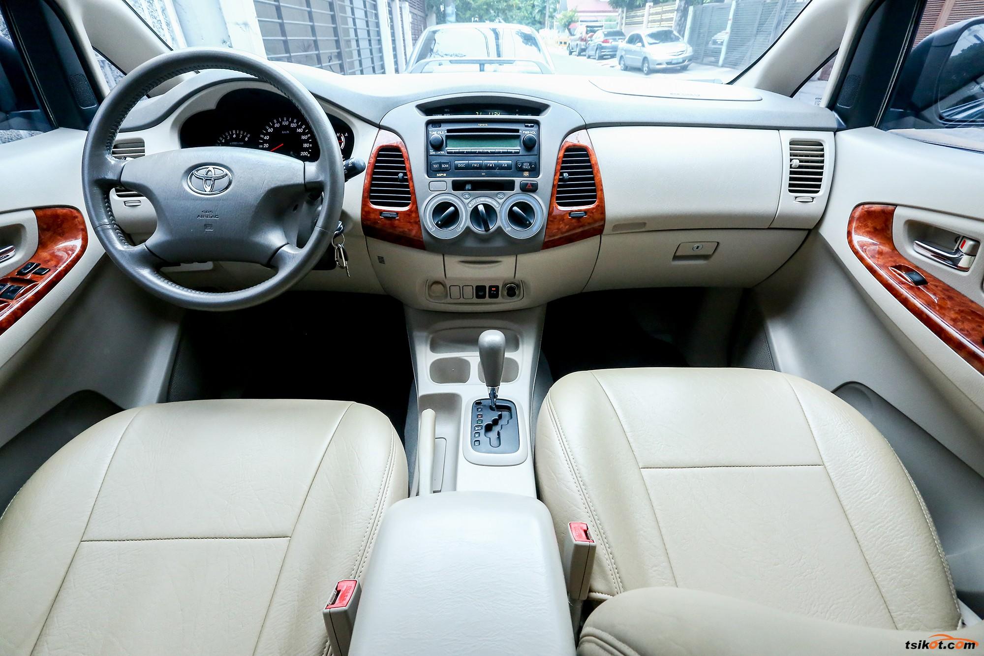 Toyota Innova 2007 - 4