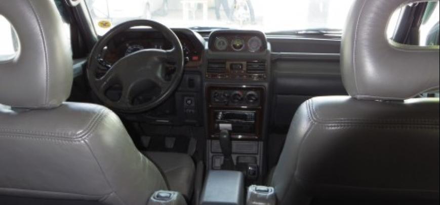 Mitsubishi Pajero 2000 - 10