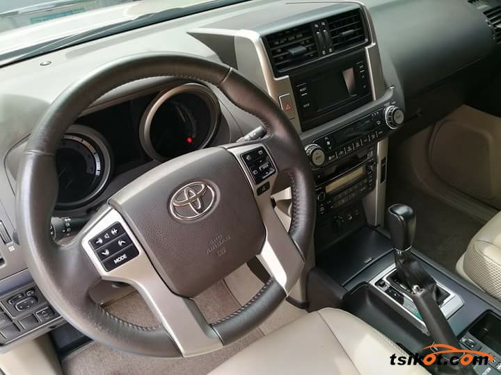 Toyota Land Cruiser Prado 2015 - 4