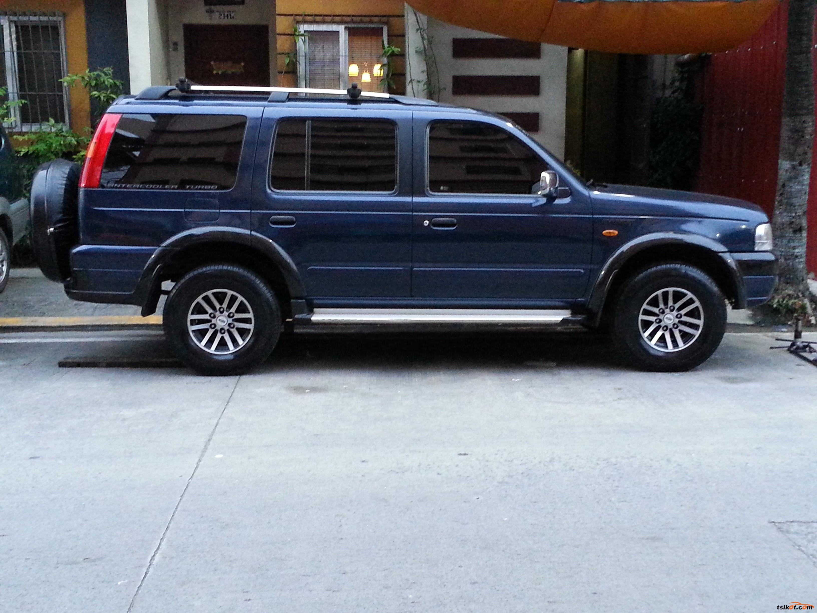 Ford Everest 2004 - 1