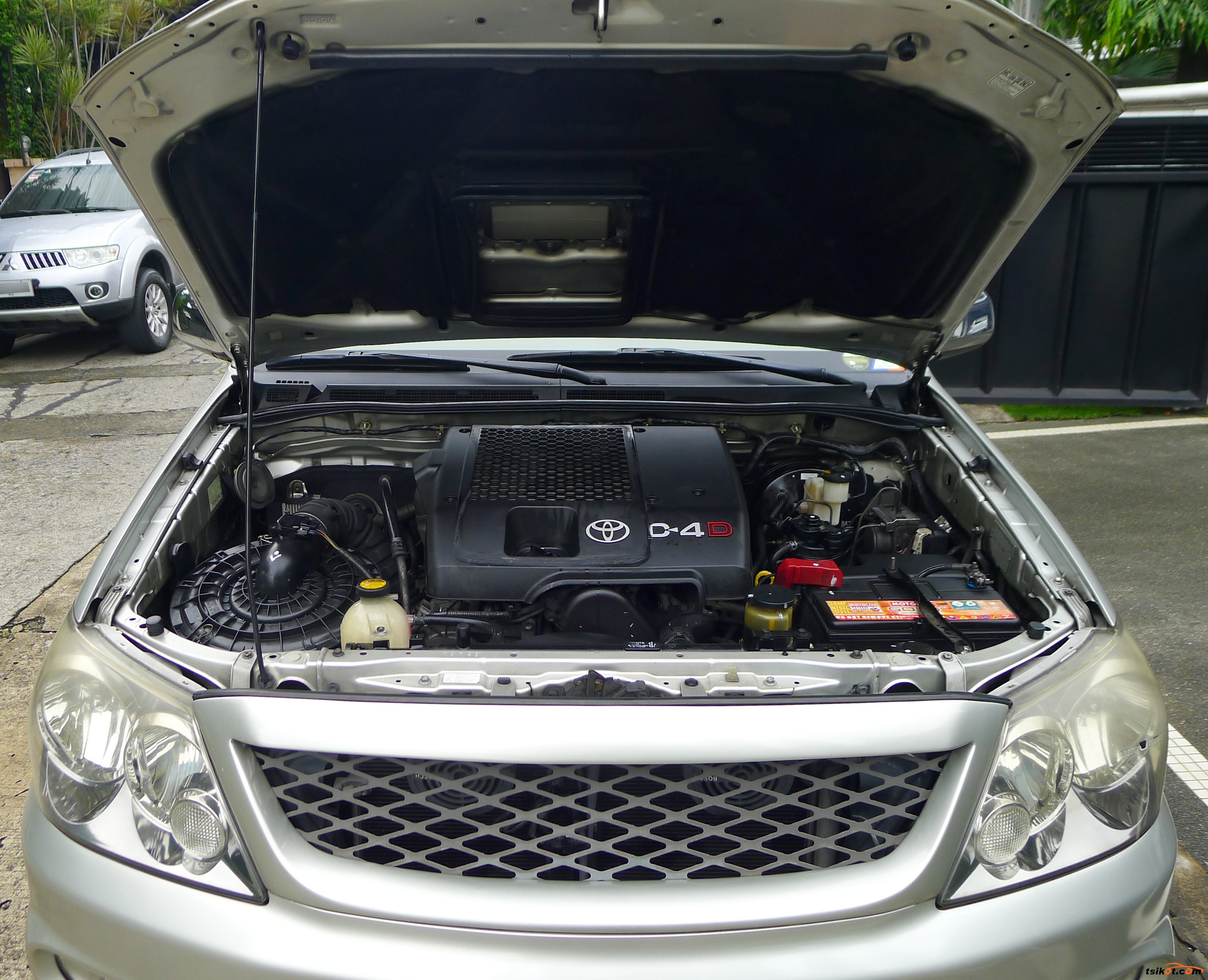 Toyota Fortuner 2005 - 10