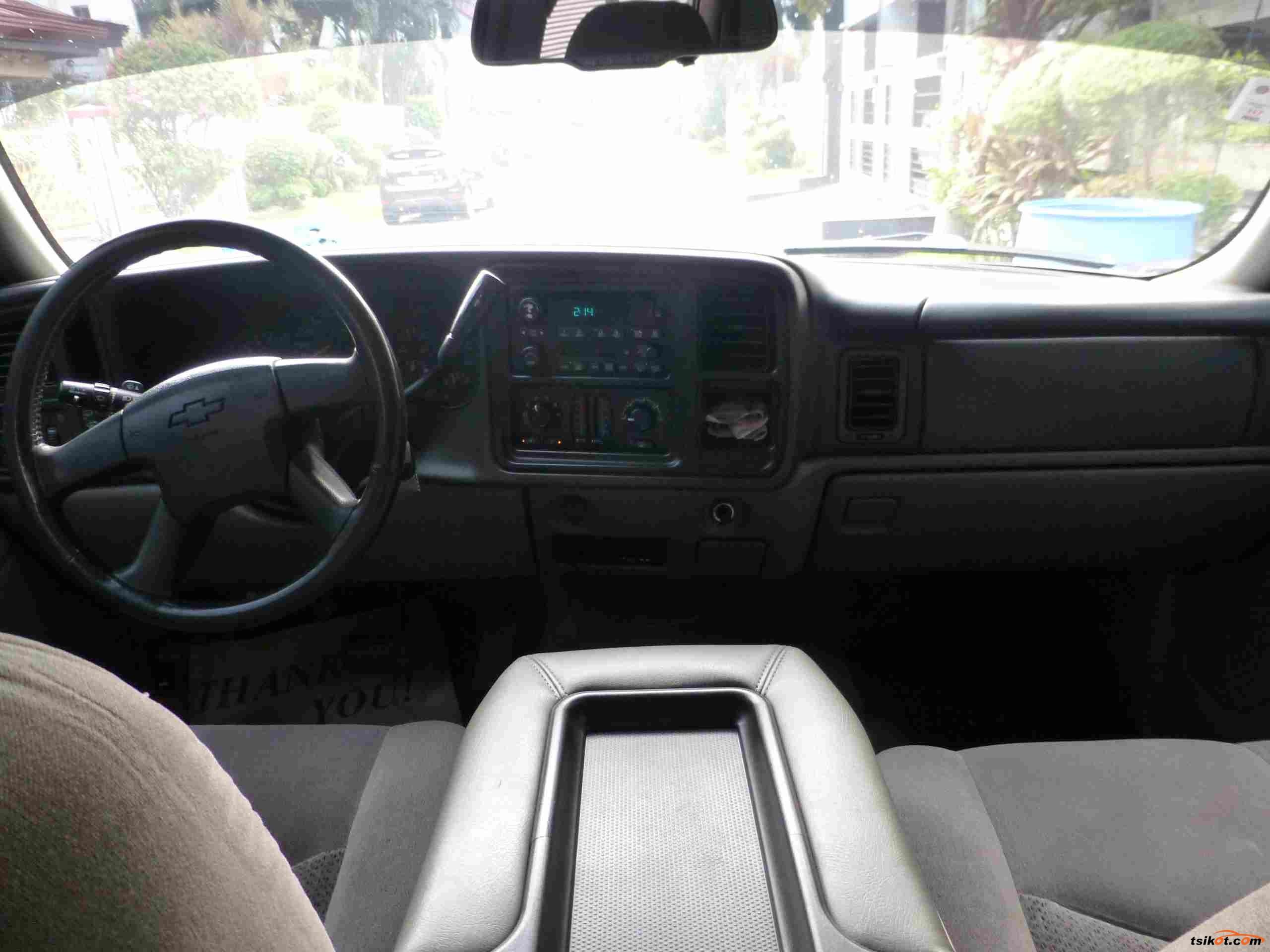 Chevrolet Tahoe 2004 - 6