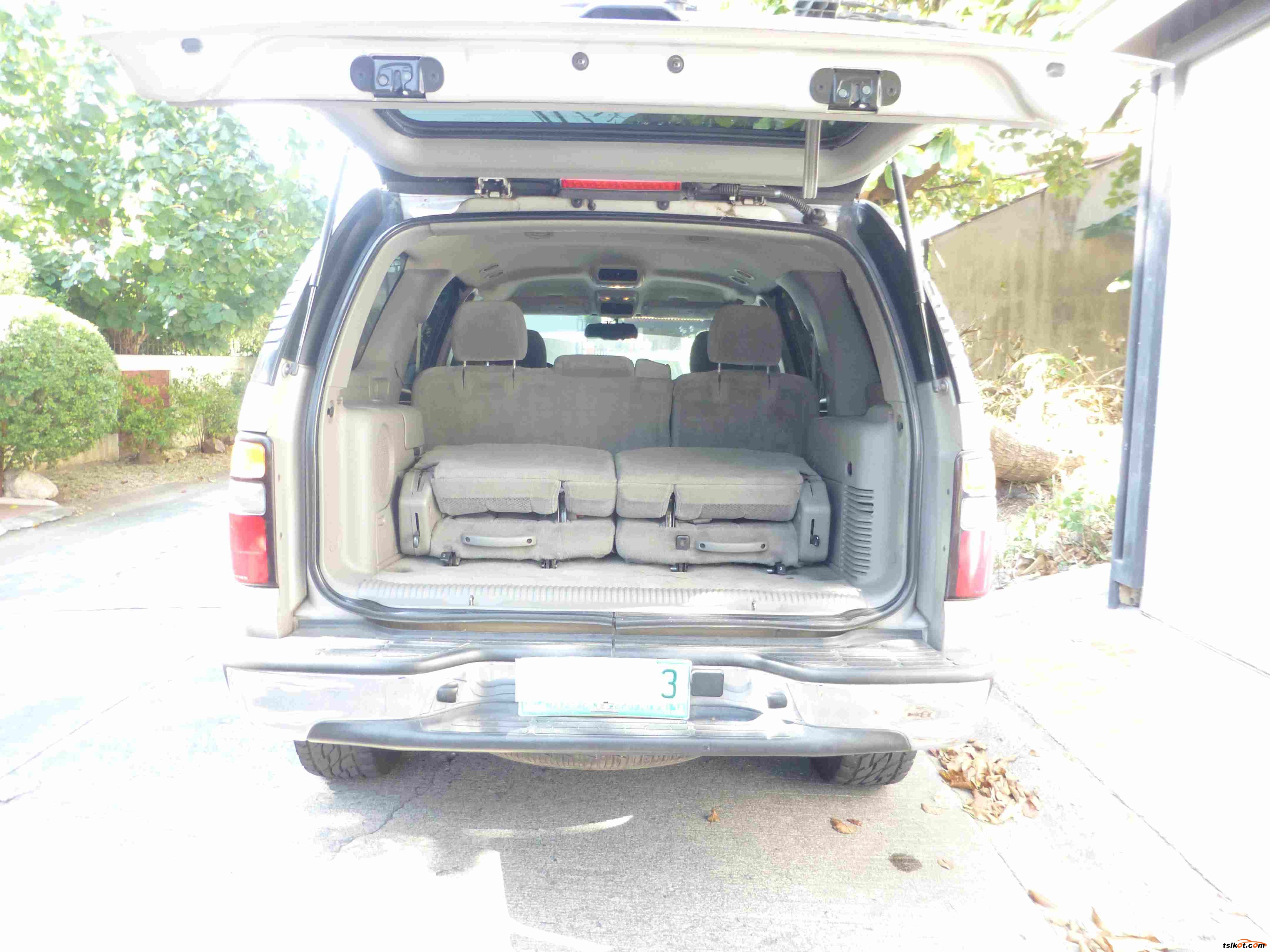 Chevrolet Tahoe 2004 - 5