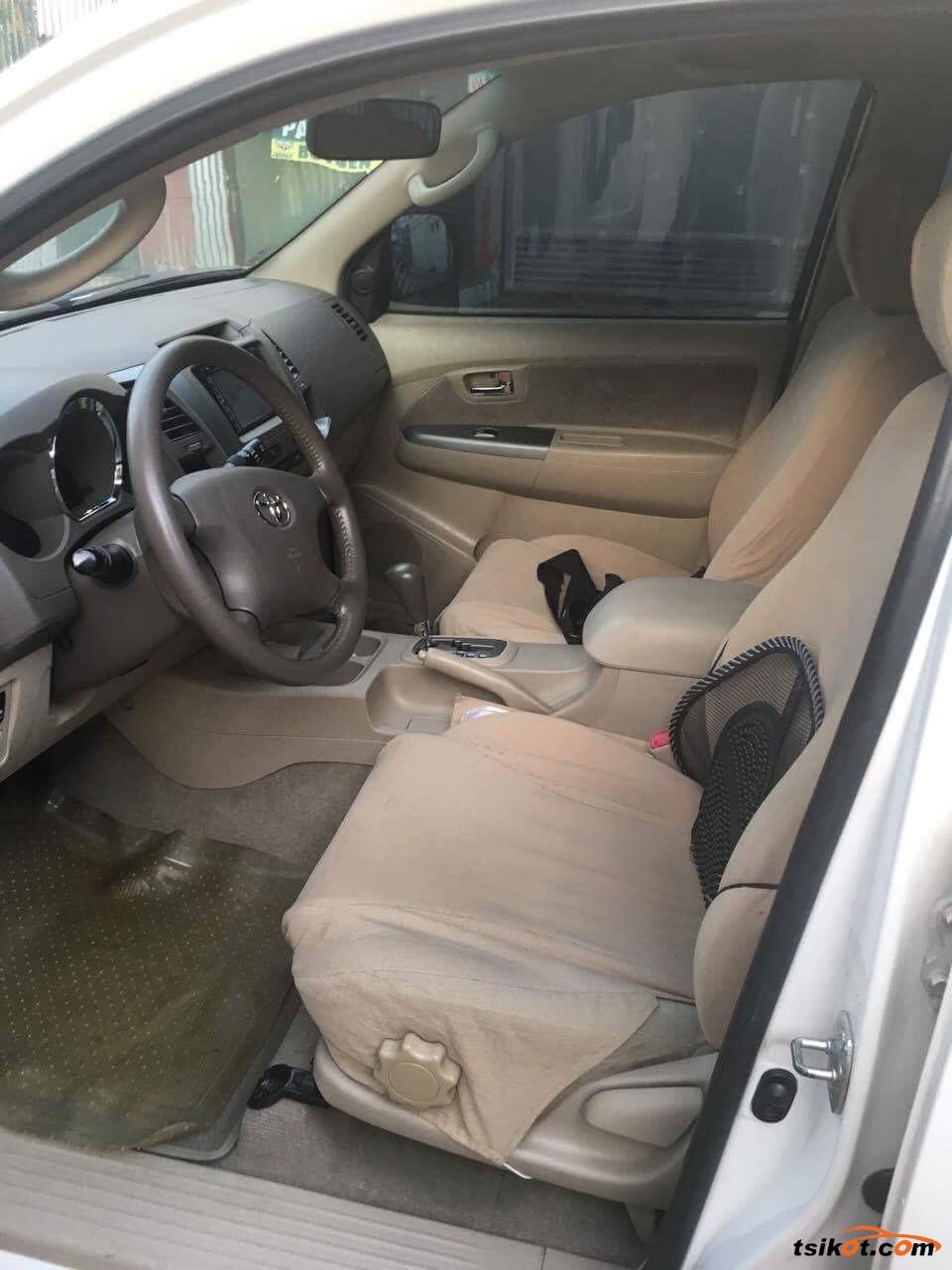 Toyota Fortuner 2006 - 5