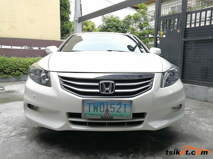Honda Accord 2012 - 1