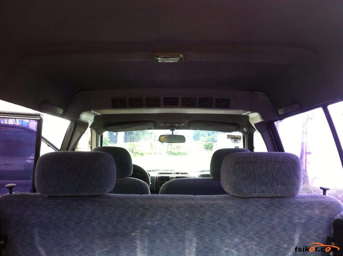 Mitsubishi Adventure 2002 - 6