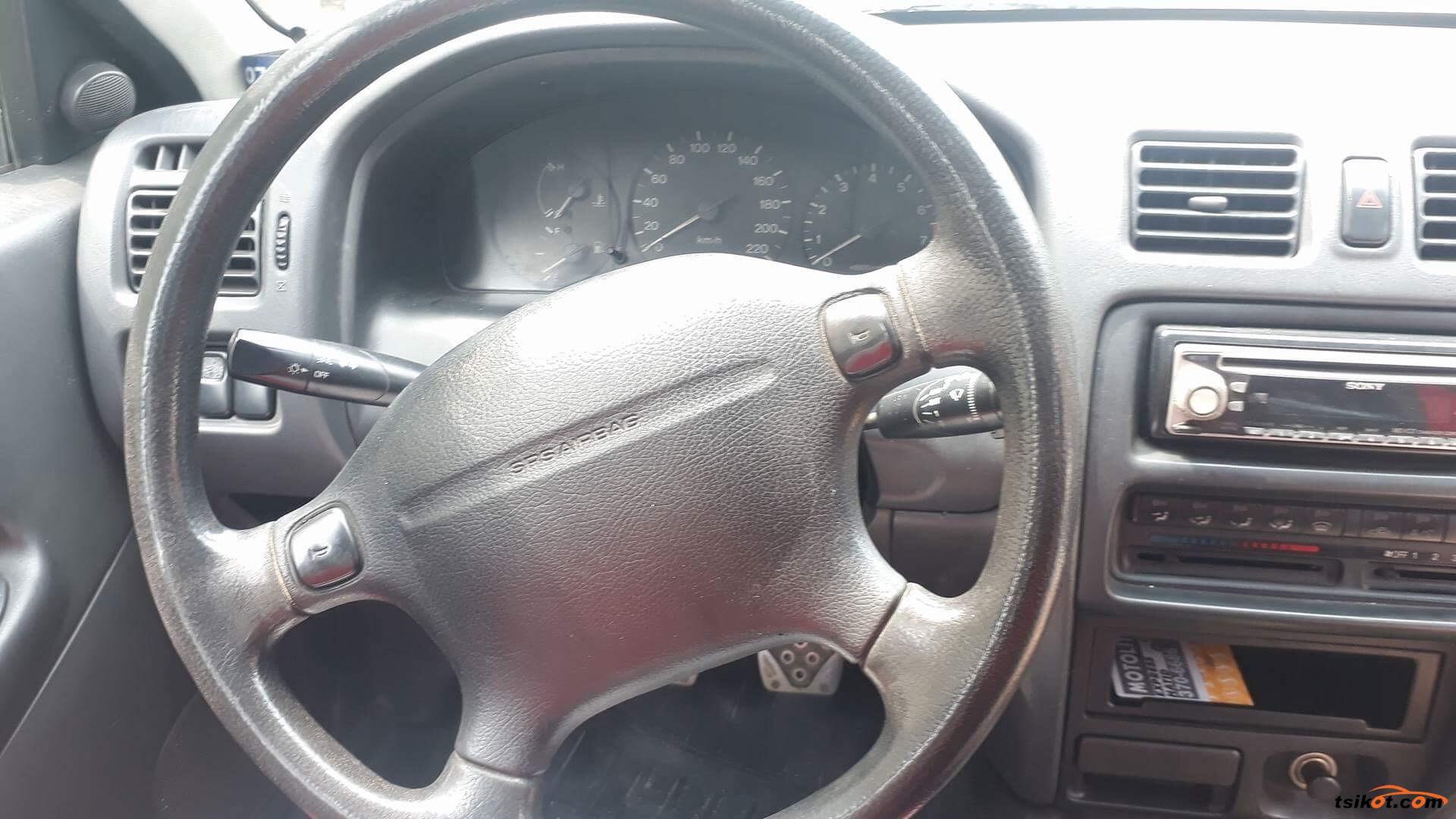 Mazda Familia 1998 - 6