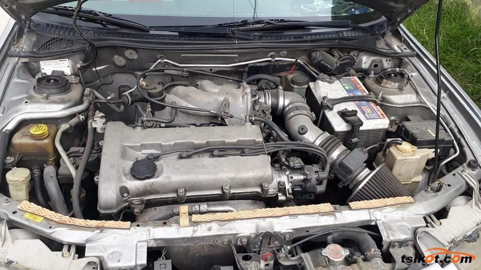 Mazda Familia 1998 - 7