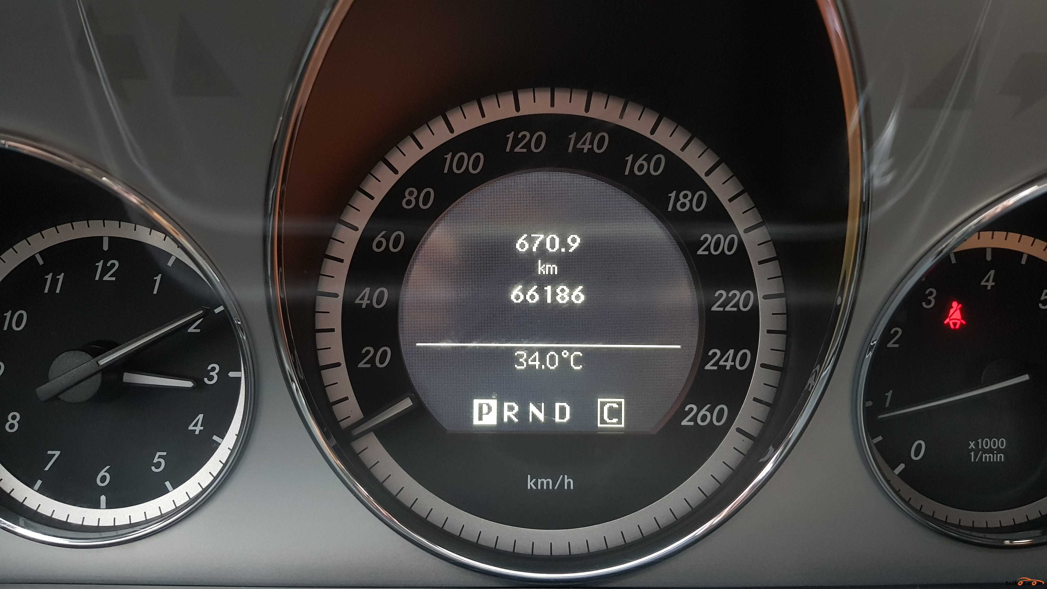 Mercedes-Benz E 2010 - 9