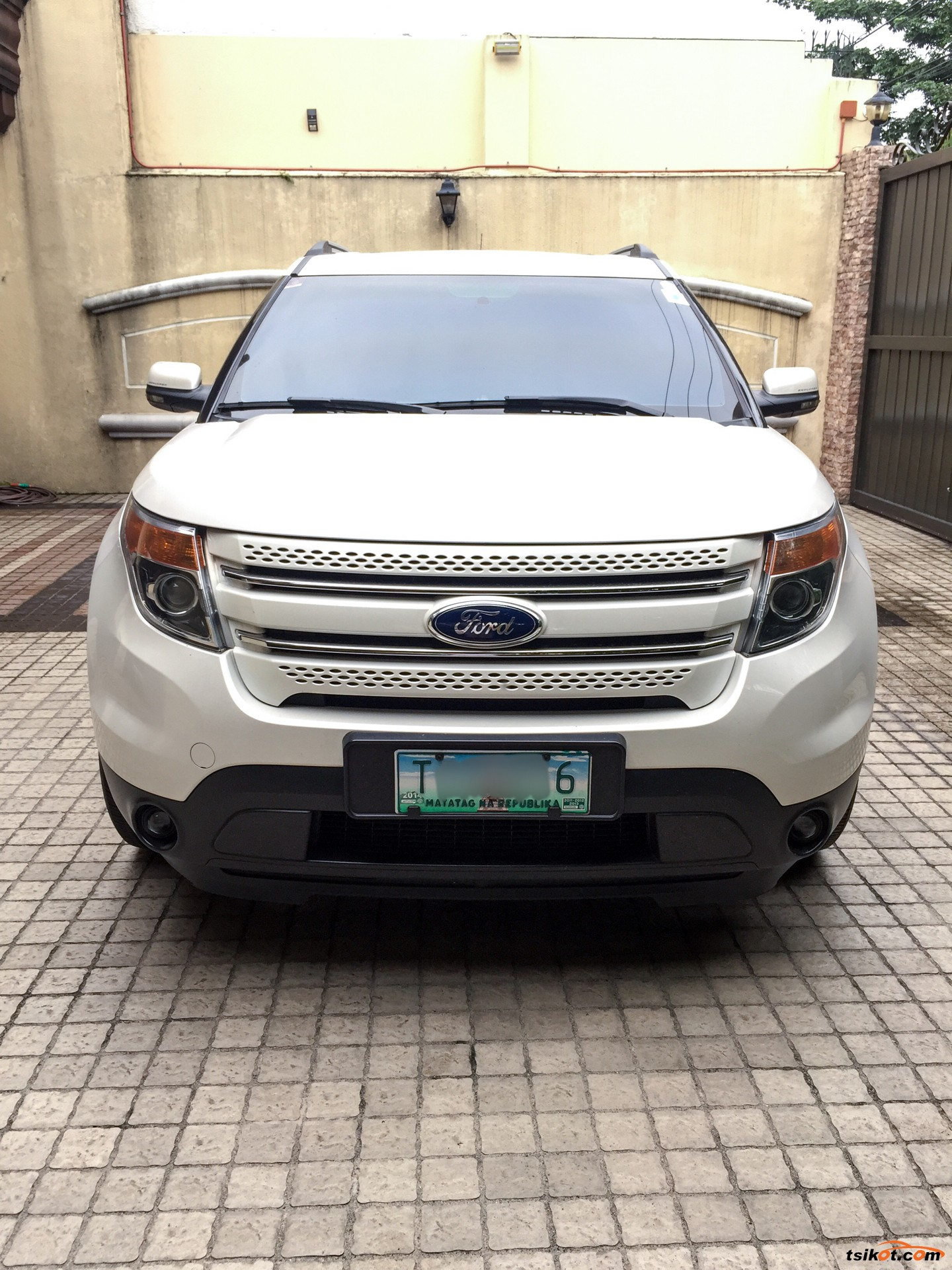 ford explorer 2012 car for sale metro manila. Black Bedroom Furniture Sets. Home Design Ideas