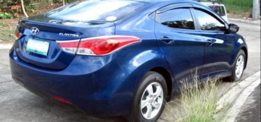 Hyundai Elantra 2013 - 18