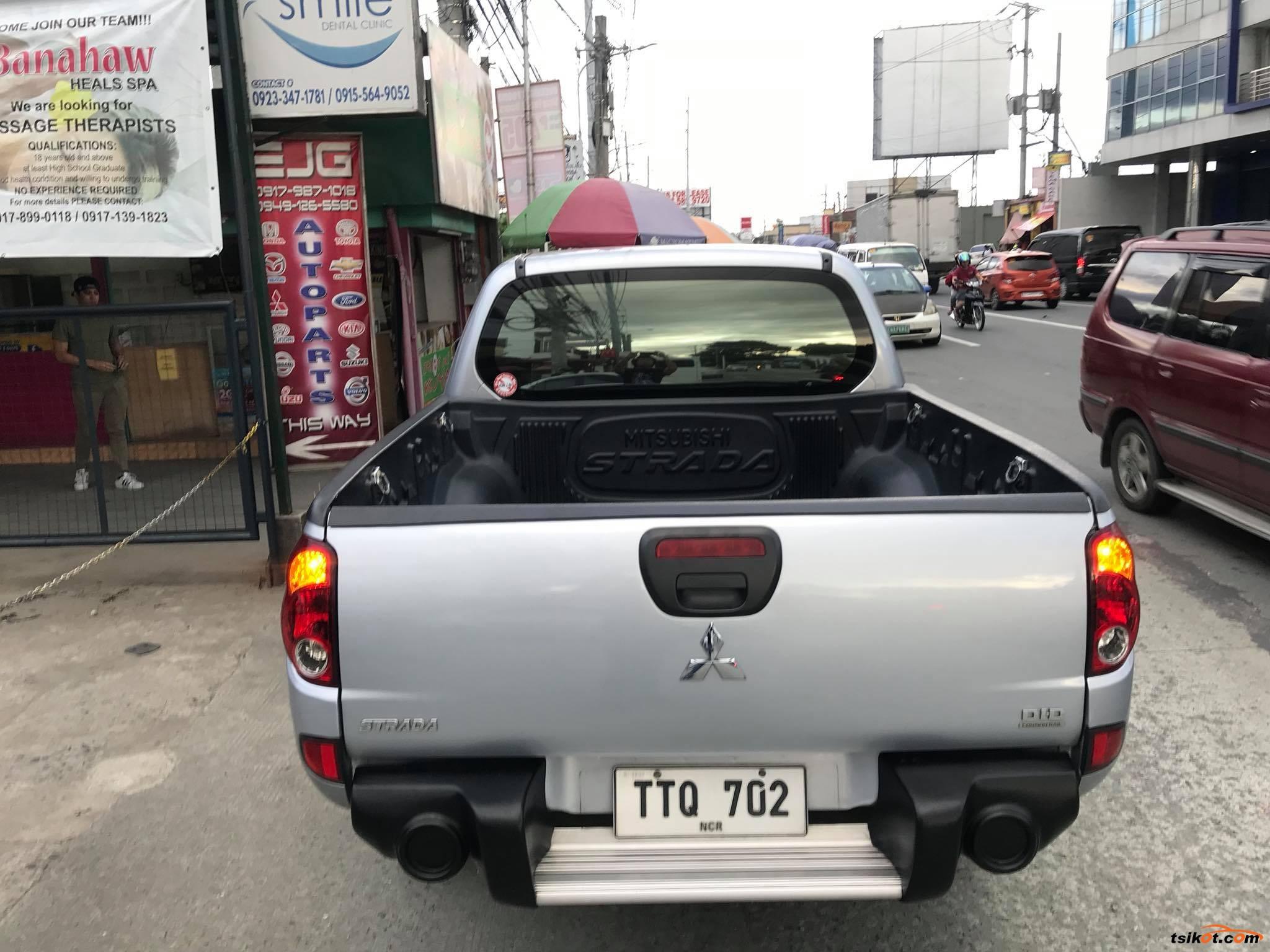 Mitsubishi Strada 2012 - 3