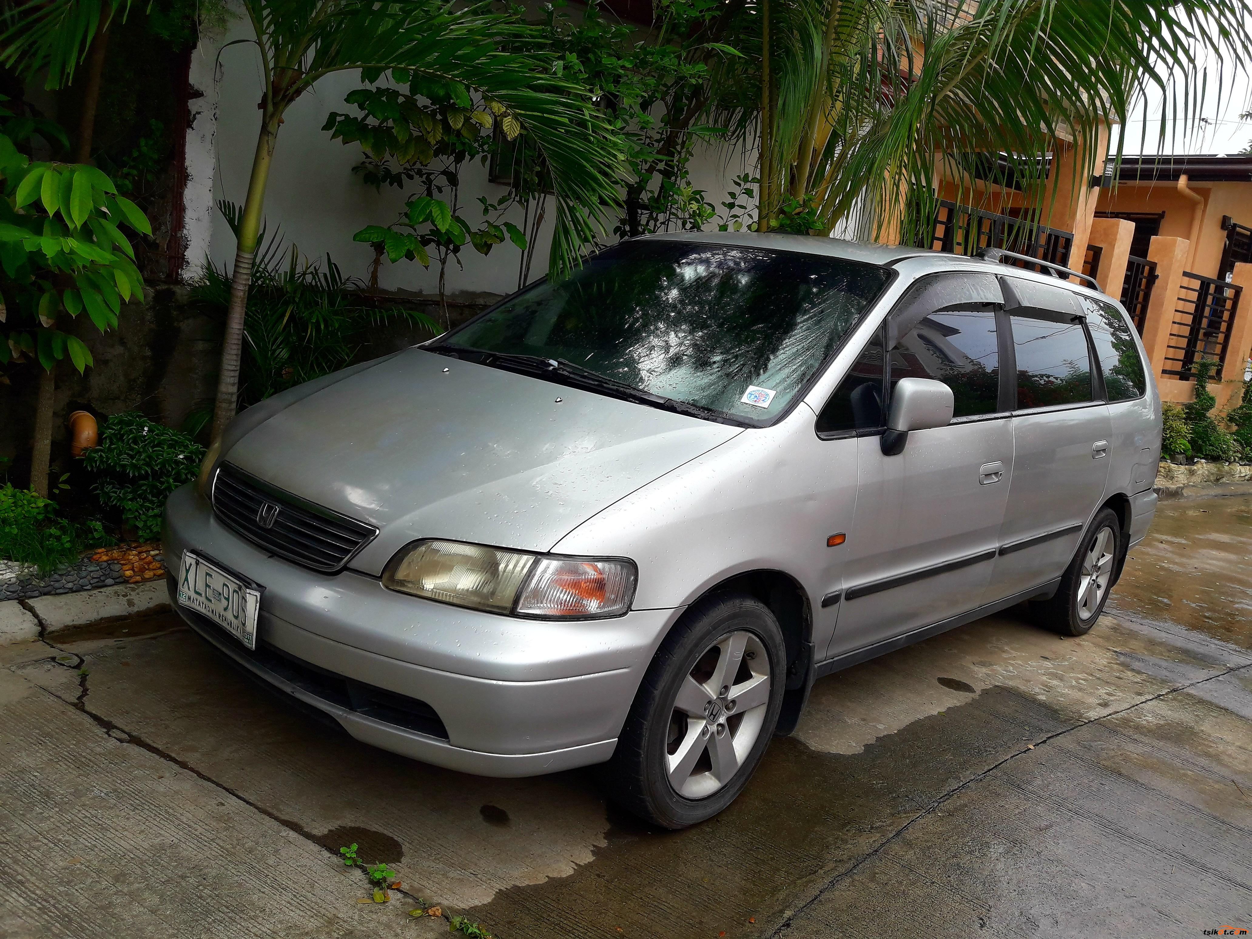 Honda Odyssey 2004 - Car for Sale Metro Manila