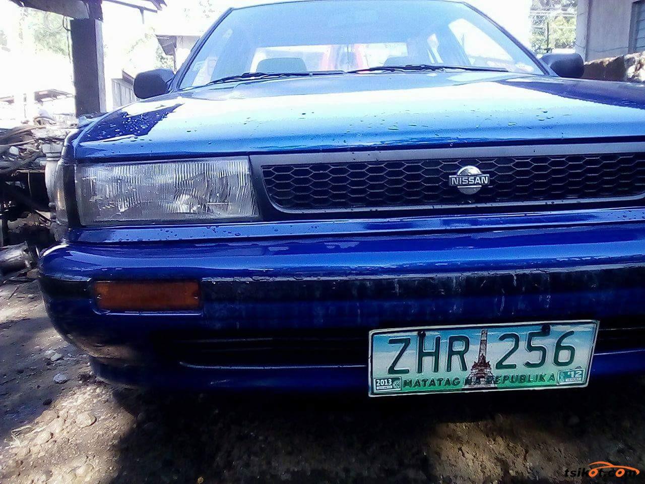 Nissan Bluebird 1990 - 3