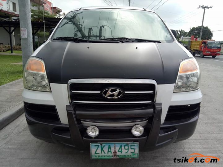Hyundai Starex 2007 - 2