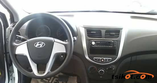 Hyundai Accent 2017 - 3