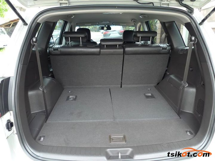 Hyundai Santa Fe 2011 - 3