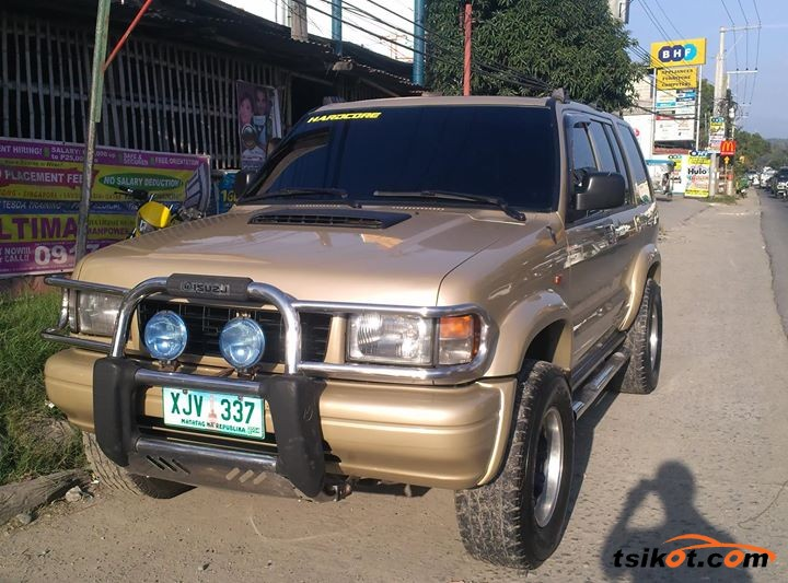 Isuzu Trooper 2003 - 1