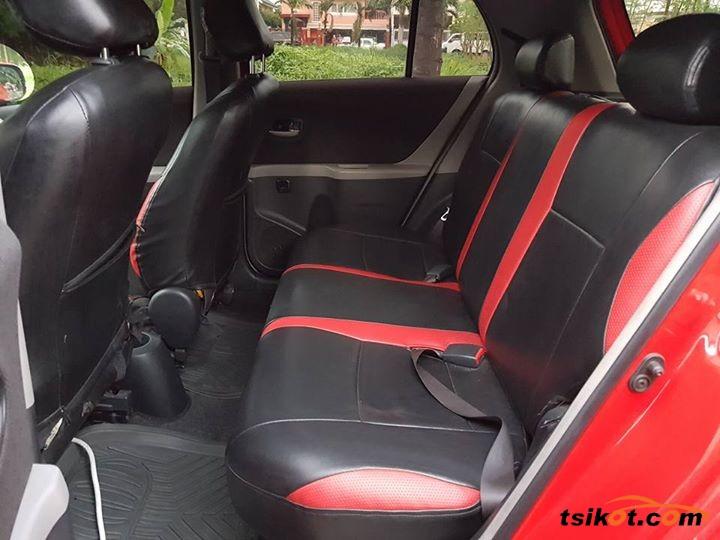Toyota Yaris 2013 - 5