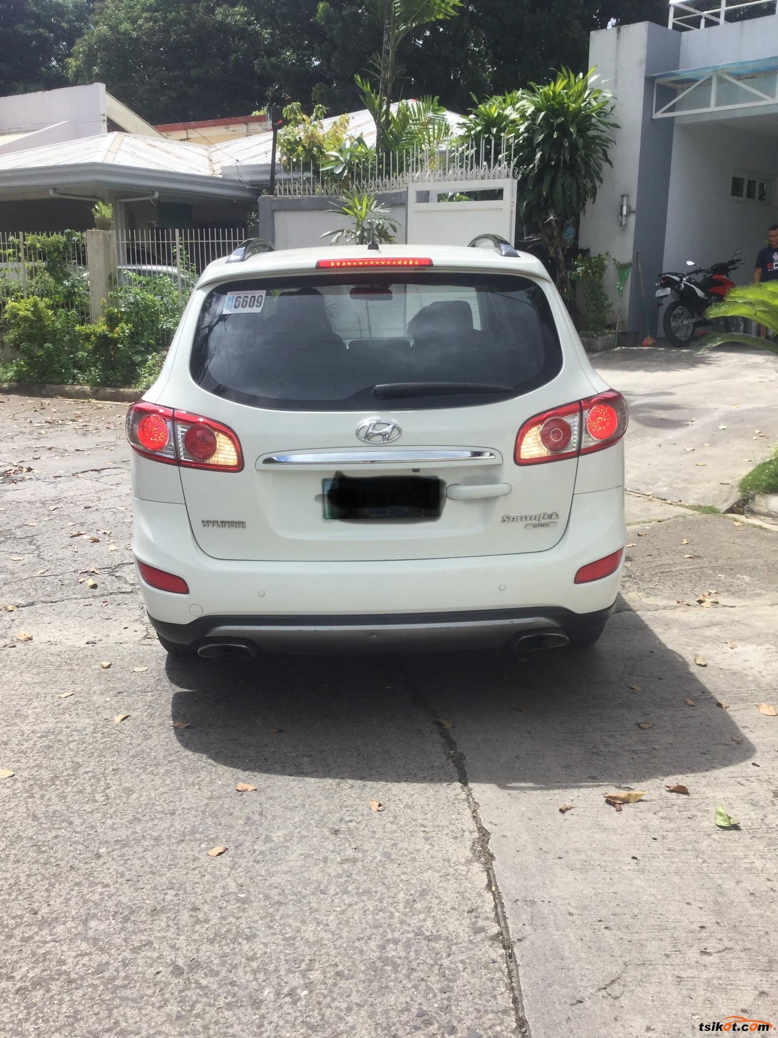 Hyundai Santa Fe 2012 - 3
