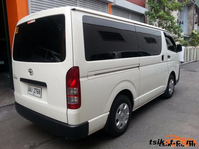 Toyota Hi-Ace 2014 - 2