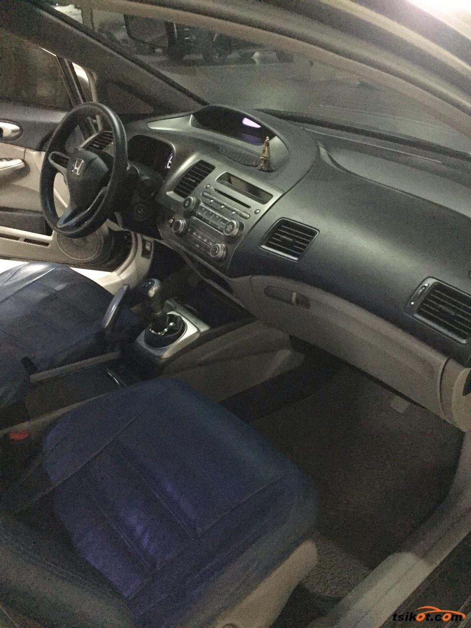 Honda Civic 2011 - 8