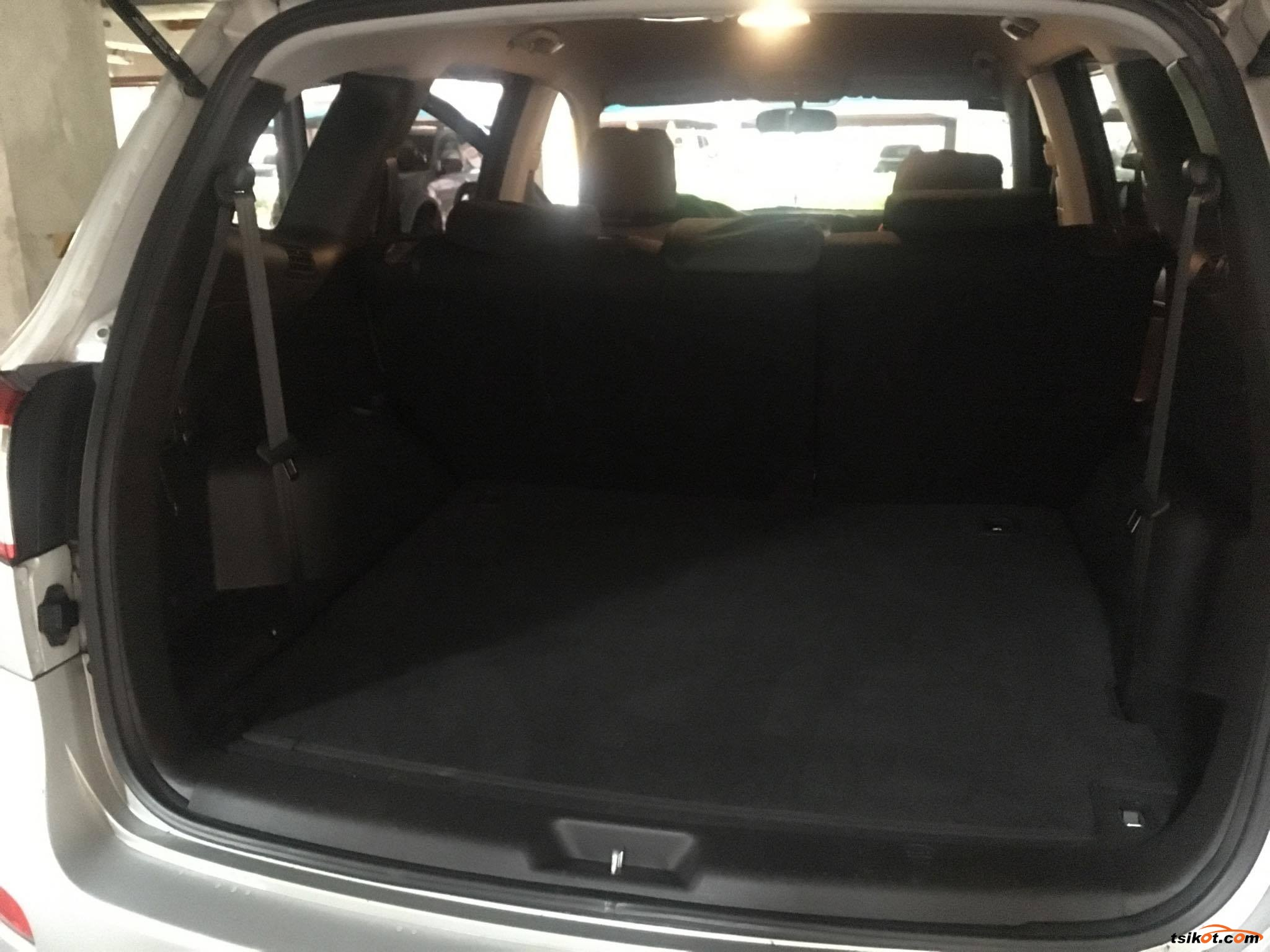 Hyundai Santa Fe 2010 - 6