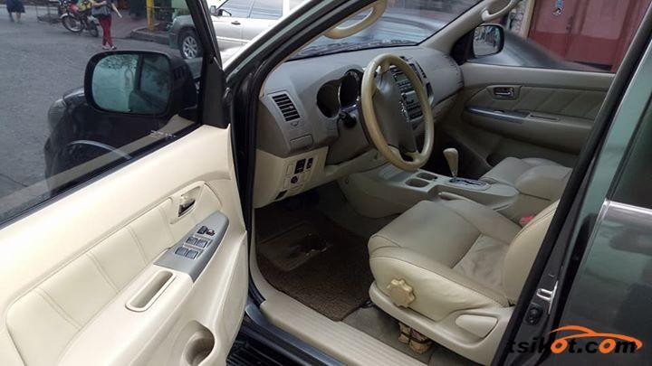 Toyota Fortuner 2008 - 7