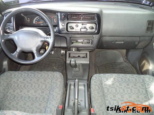 Mitsubishi L 200 2001 - 4