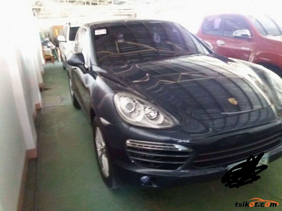 Porsche Cayenne 2012 - 1