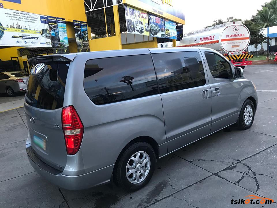 Hyundai Starex 2012 - 4