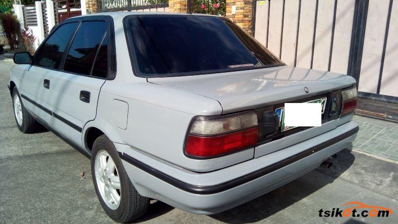 Toyota Corolla 1991 - 3