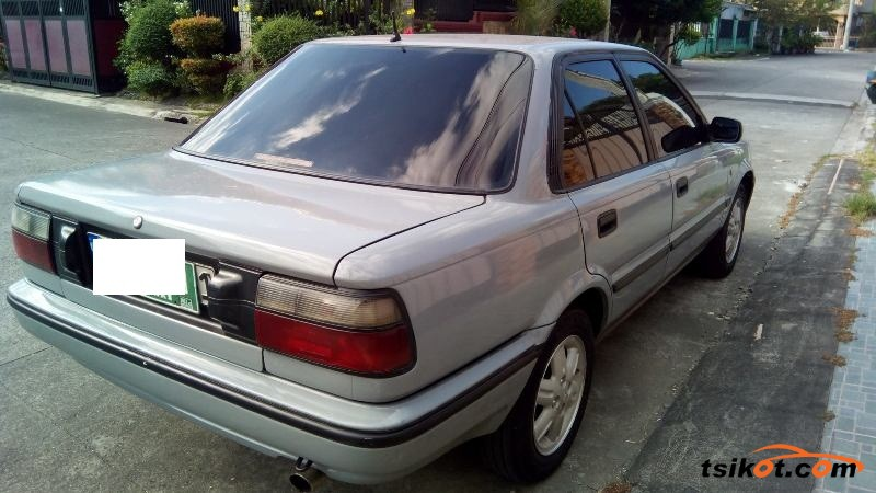 Toyota Corolla 1991 - 4