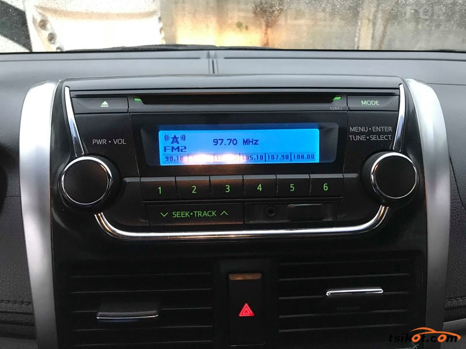 Toyota Vios 2015 - 7