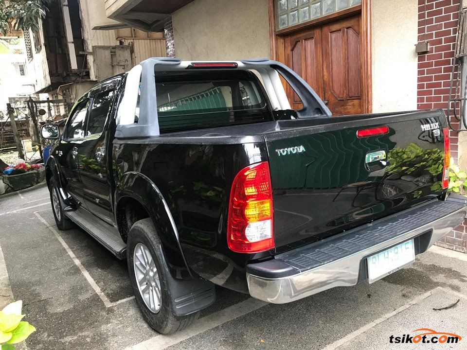 Toyota Hilux 2011 - 7