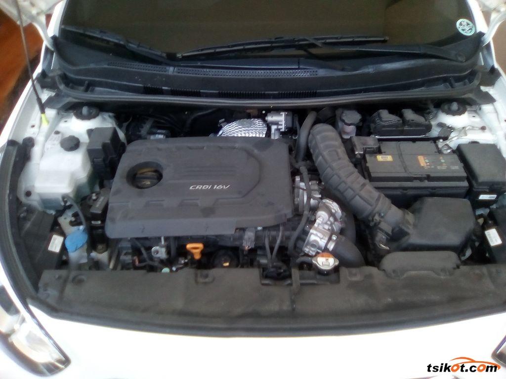 Hyundai Accent 2017 - 8