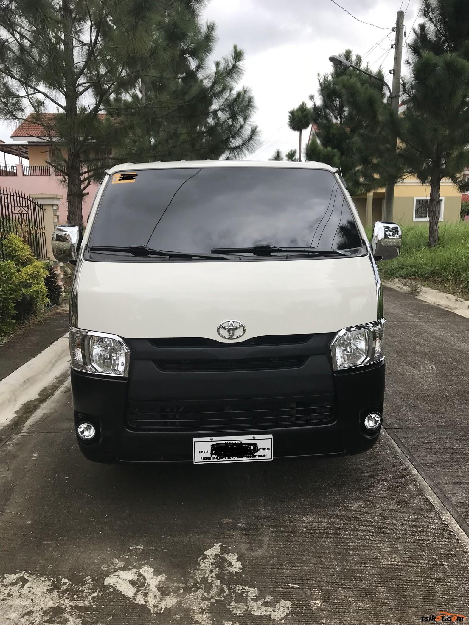 Toyota Hiace 2016 - Car for Sale Calabarzon