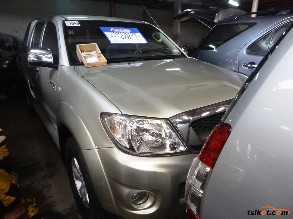 Toyota Hilux 2011 - 1