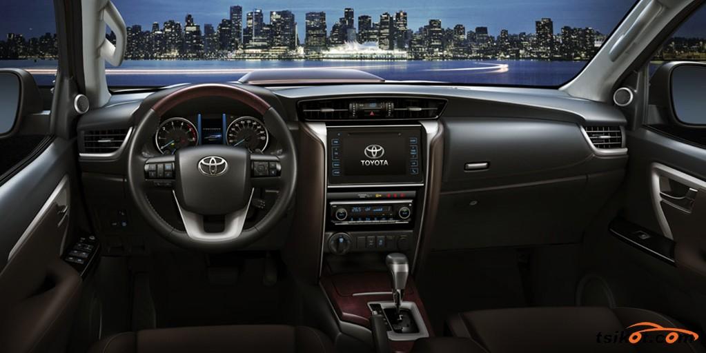 Toyota Fortuner 2017 - 3