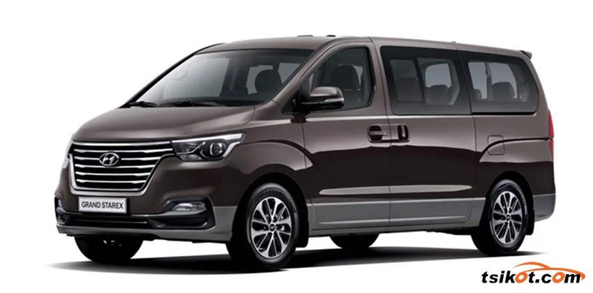 Hyundai Grand Starex 2017 - 1