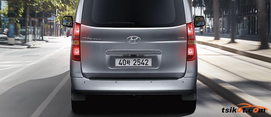Hyundai Grand Starex 2017 - 4