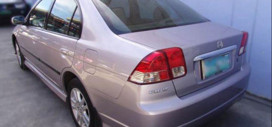 Honda Civic 2004 - 4