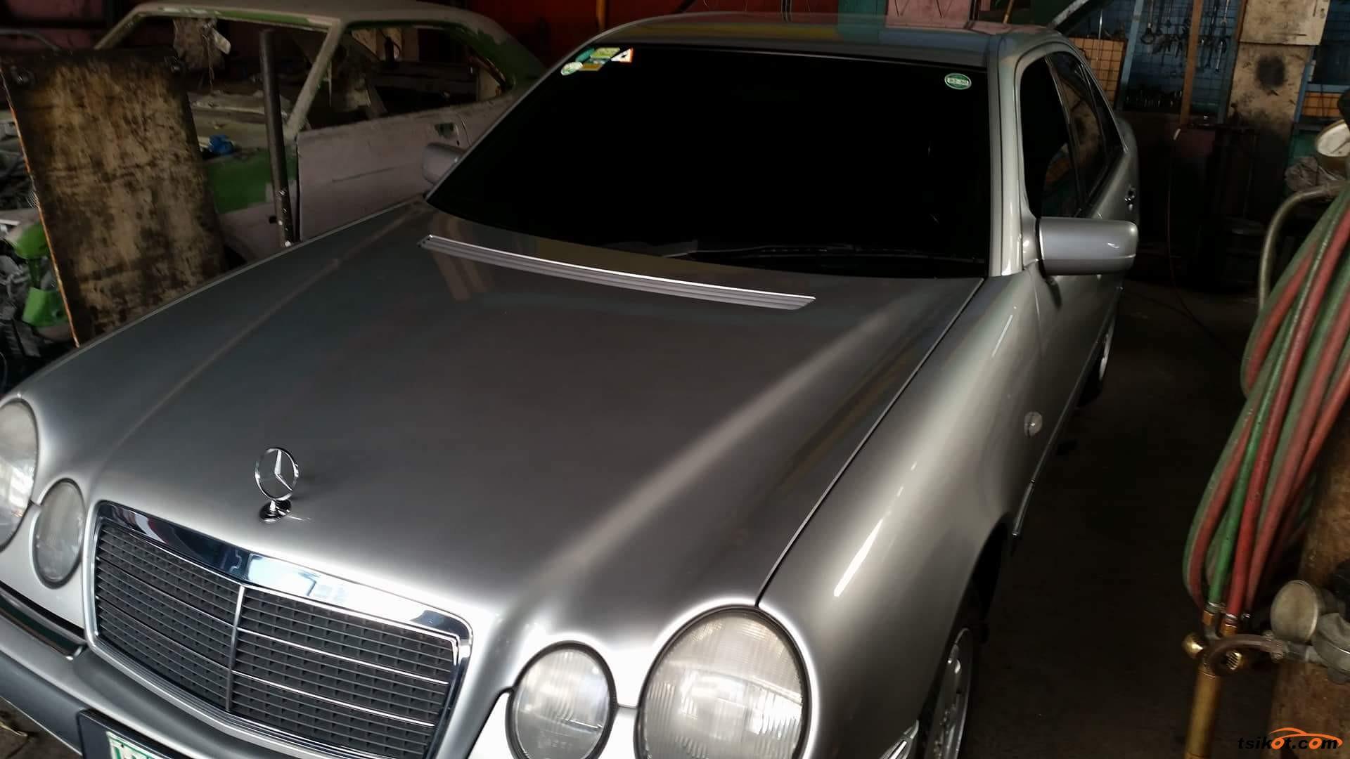 Mercedes-Benz 240 1998 - 8