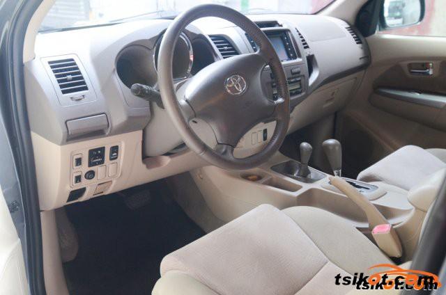 Toyota Fortuner 2007 - 6