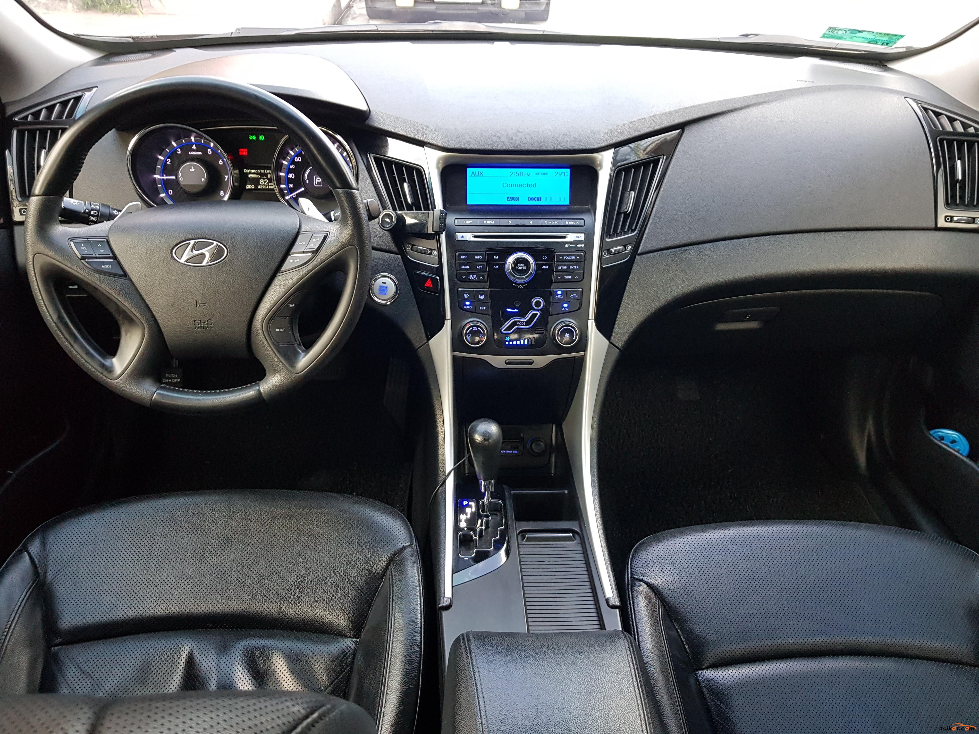 Hyundai Sonata 2010 - 8